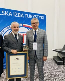 Prezes zarządu GK Polskiego Holdingu Hotelowego, Gheorghe Marian Cristescu został uhonorowany nagrodą Grand Prix MT Targi Polska