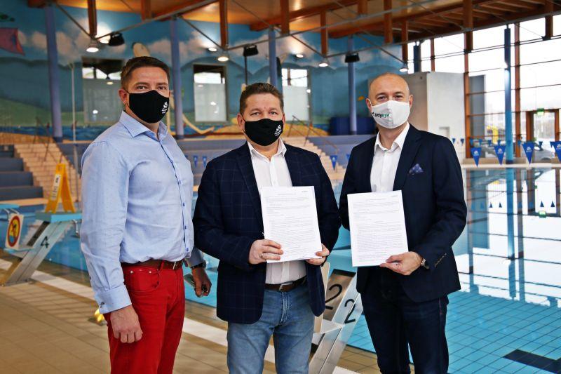 Aquapark Wrocław wprowadza płatność okiem foto z podpisania umowy