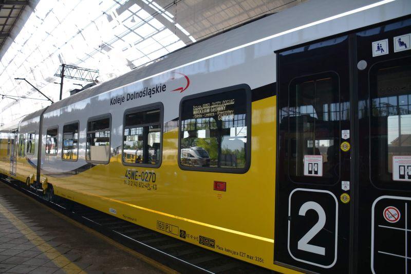Pociąg KD Legnica-Lubin