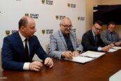 podpisanie umowy między KD a UMWD
