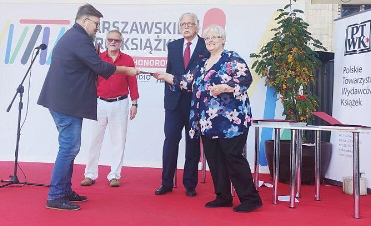 """Album """"Lublin Filmowy – Filmowy Lublin"""" najpiękniejszą Książką Roku 2020"""